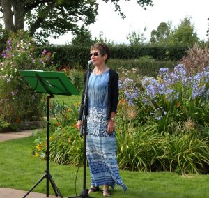 Family party. Singer. in Sussex. Wedding Singer .  Party singer. Soprano